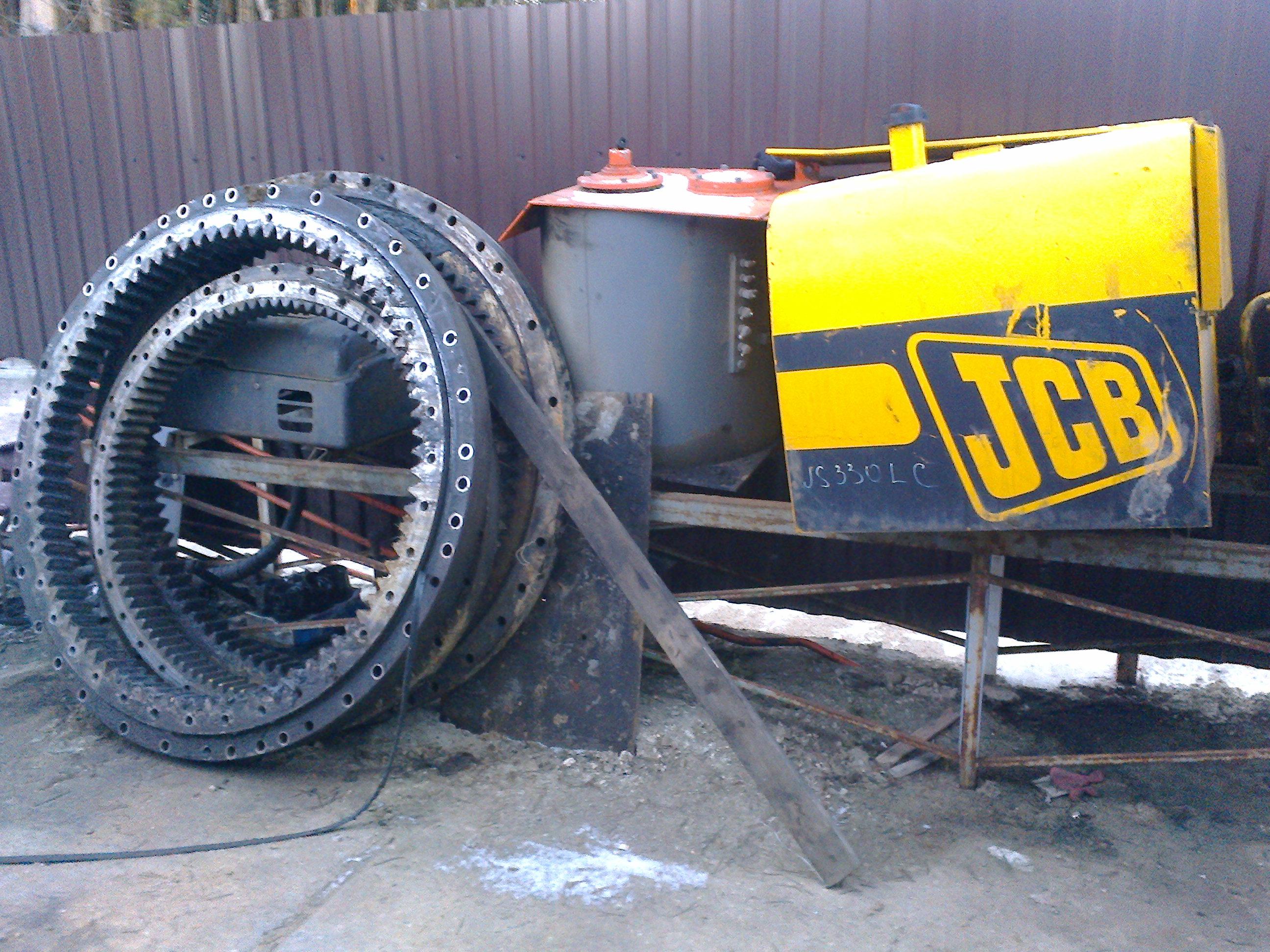 Опорные катки бу экскаватора jcb 330